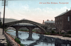 Old Bridge and Victoria Bridge